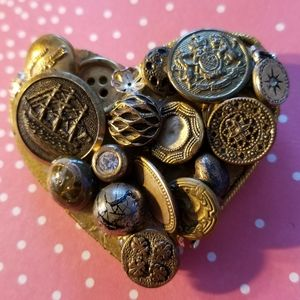 Vintage buttons assemblage brooch pin gold heart